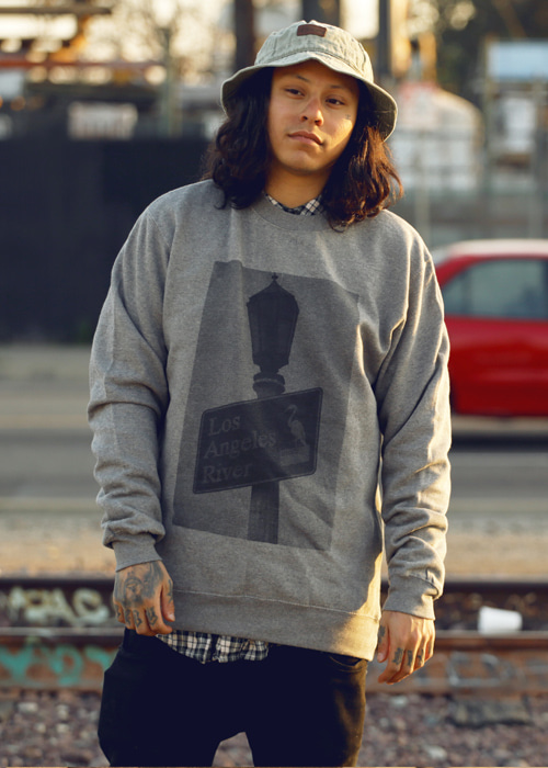 더 로스엔젤레스 리버 스트릿 사인 크루넥 #RL5605CH / CHARCOAL-made in USA THE LOSANGELES RIVER STREET SIGN CREW